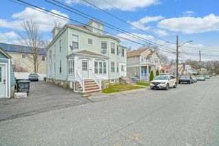 176 Ruskindale Rd #1, Hyde Park, MA 02136
