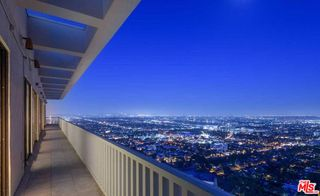 9255 Doheny Rd #1, West Hollywood, CA 90069