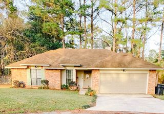 107 Raintree Cir, Hattiesburg, MS 39402