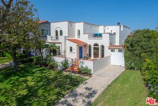 130 S Highland Ave, Los Angeles, CA 90036