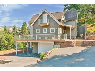 Stupendous 2101 Haylift Ln Mosier Or 97040 2 Bed 2 Bath Single Home Interior And Landscaping Oversignezvosmurscom
