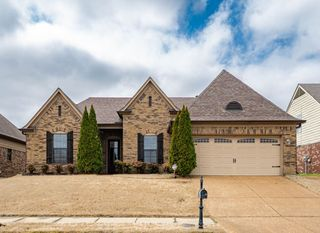 4201 Ritchie Dr, Olive Branch, MS 38654