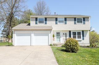 4661 Wildflower Dr, North Canton, OH 44720