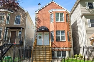 1728 W Barry Ave #1, Chicago, IL 60657