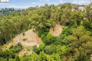 Thorndale Dr, Oakland, CA 94611