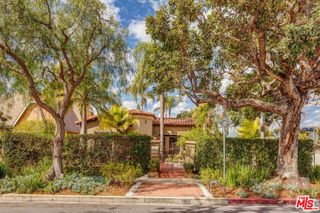1105 S Point View St, Los Angeles, CA 90035