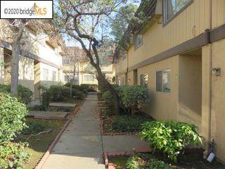 10401 Shaw St #403, Oakland, CA 94605