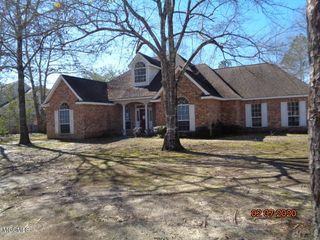6003 Woods Rd, Picayune, MS 39466