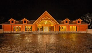 922 Village Loop Rd, Gatlinburg, TN 37738