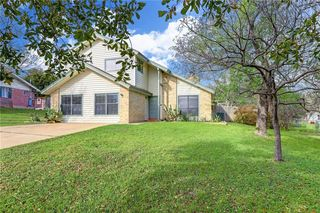 8100 Red Willow Dr, Austin, TX 78736