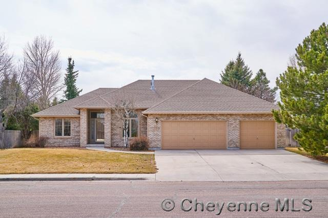 Pleasant 419 Carriage Dr Cheyenne Wy 3 Bath Single Family Home Pabps2019 Chair Design Images Pabps2019Com