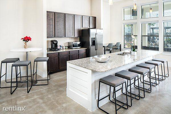 Amazing 1 W San Antonio St New Braunfels Tx 78130 2 Bed 2 Bath Multi Family Home For Rent 10 Photos Trulia Complete Home Design Collection Papxelindsey Bellcom