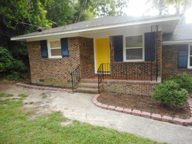 310 McAllister St, Fayetteville, NC 28305 - 2 Bed, 1 Bath Multi-Family Home  For Rent - 8 Photos | Trulia