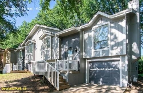 8533 Goddard St, Overland Park, KS 66214 - 3 Bed, 2 Bath Single-Family Home  For Rent - 21 Photos | Trulia