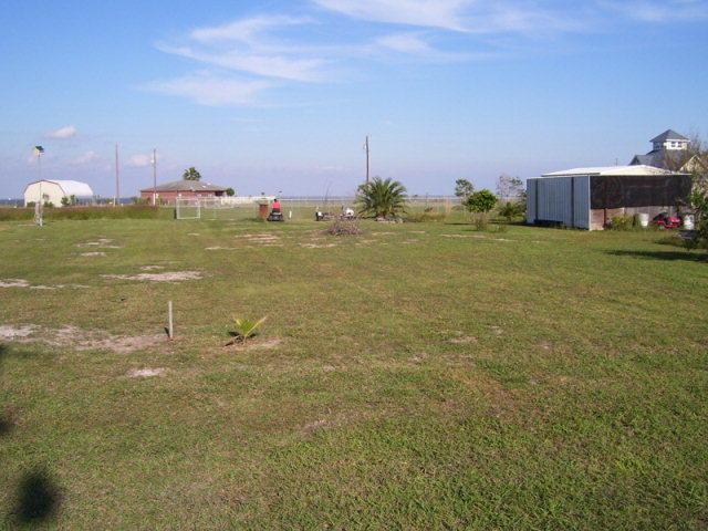18 20 Quail Run Ave Port Lavaca TX 77979