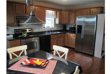 20694 Mercer Ave, Rock Hall, MD - 2 Bath Single-Family Home ...