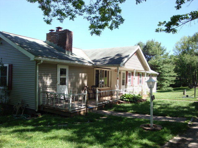 Astonishing 206 Kelly Rd Wellsboro Pa 4 Bed 2 Bath Single Family Home Interior And Landscaping Ologienasavecom