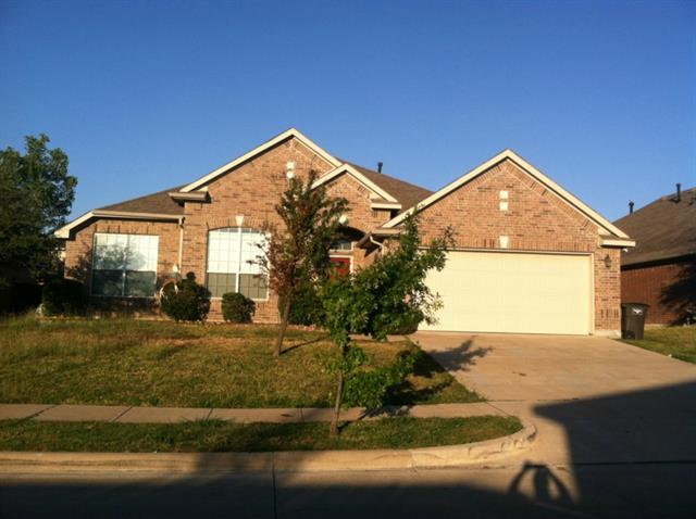 9025 Chardin Park Dr, Fort Worth, TX 76244