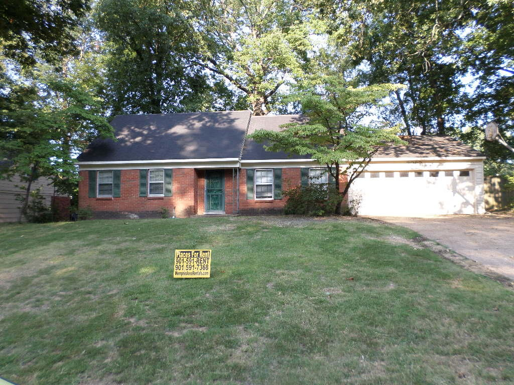 Peachy 3092 Kenneth St Memphis Tn 5 Bed 3 Bath Single Family Home Interior And Landscaping Ologienasavecom