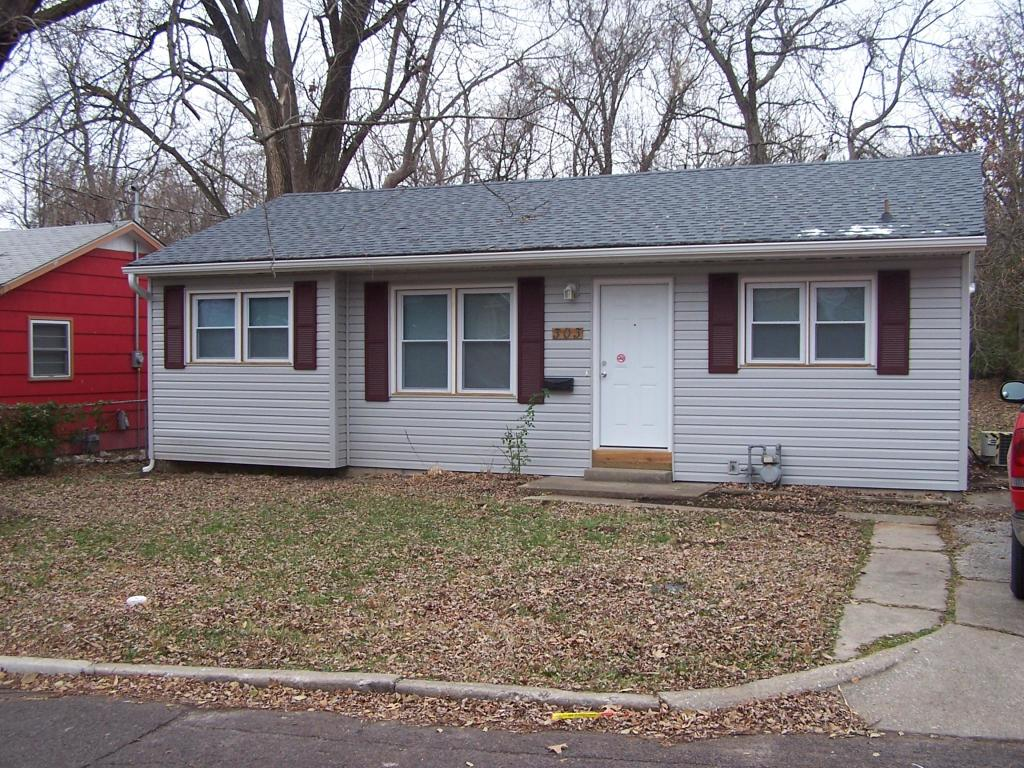 Cool 303 Hirth Ave Columbia Mo 65203 3 Bed 1 Bath Single Family Home For Rent Trulia Interior Design Ideas Truasarkarijobsexamcom