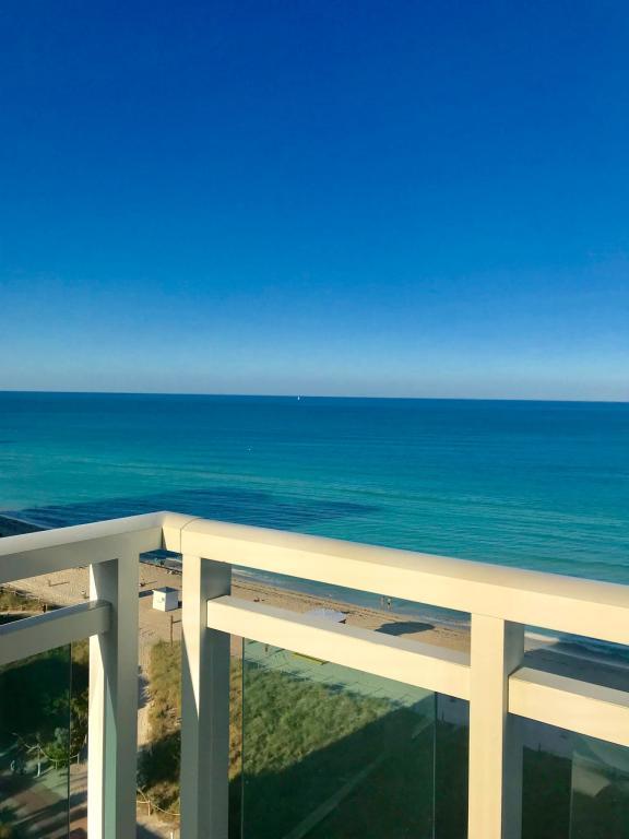6918 Collins Ave, Miami Beach, FL 33141