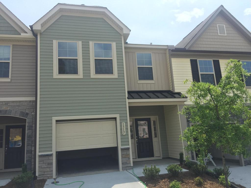 Awesome 1235 Garden Stone Dr Raleigh Nc 27610 3 Bed 2 5 Bath Townhouse For Rent 53 Photos Trulia Complete Home Design Collection Barbaintelli Responsecom
