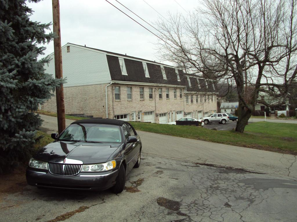 Awesome 121 W Water St 121A Slippery Rock Pa 16057 3 Bed 1 Bath Townhouse For Rent 6 Photos Trulia Interior Design Ideas Gentotryabchikinfo