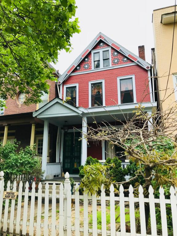 5733 Kentucky Ave, Pittsburgh, PA 15232 - 3 Bed, 1 Bath Single-Family Home  For Rent - 7 Photos | Trulia
