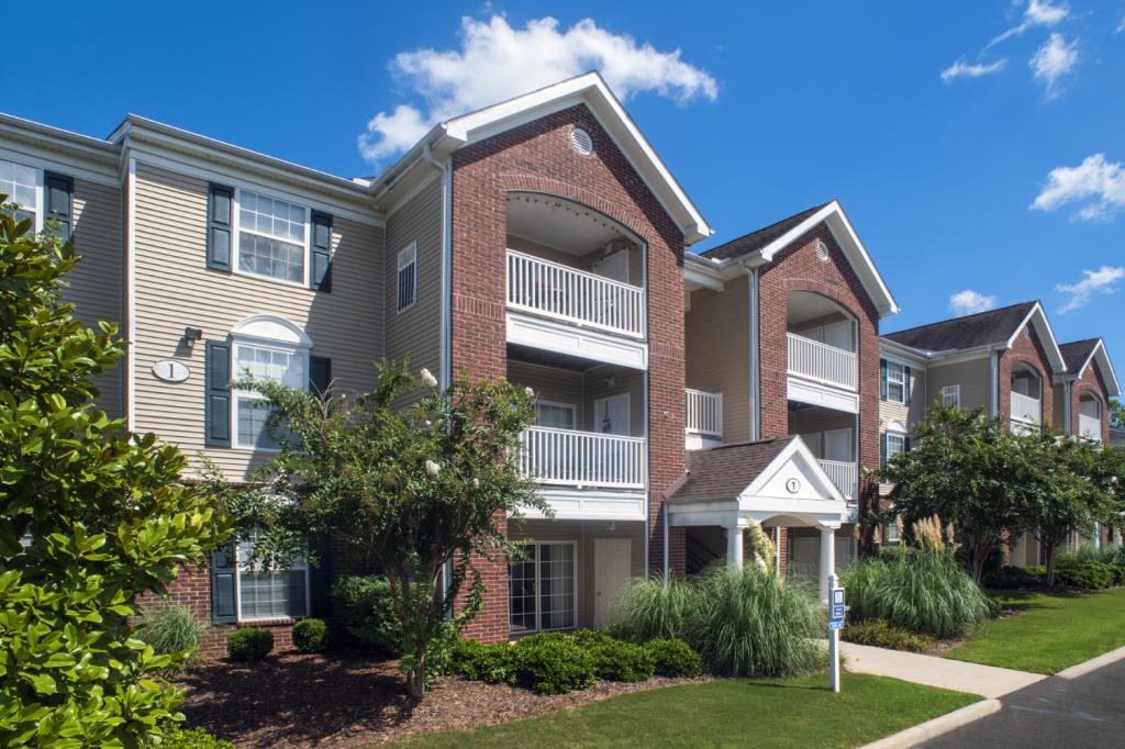Ashbury Woods Apartments