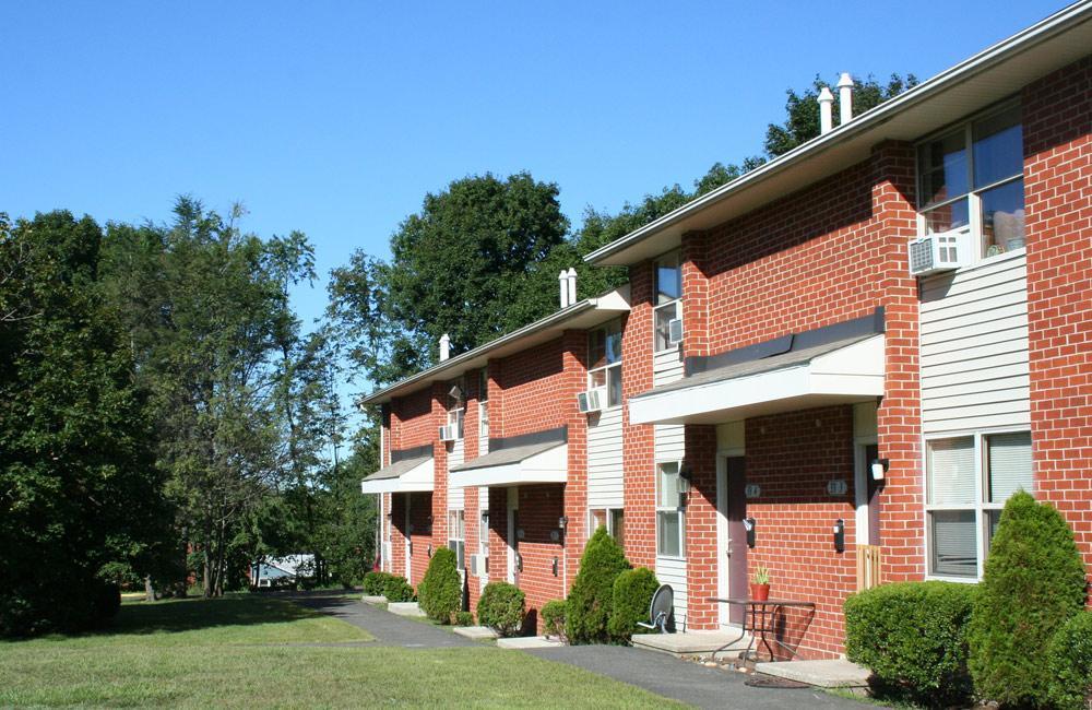 Admirable Scott Gardens Apartments Beutiful Home Inspiration Xortanetmahrainfo