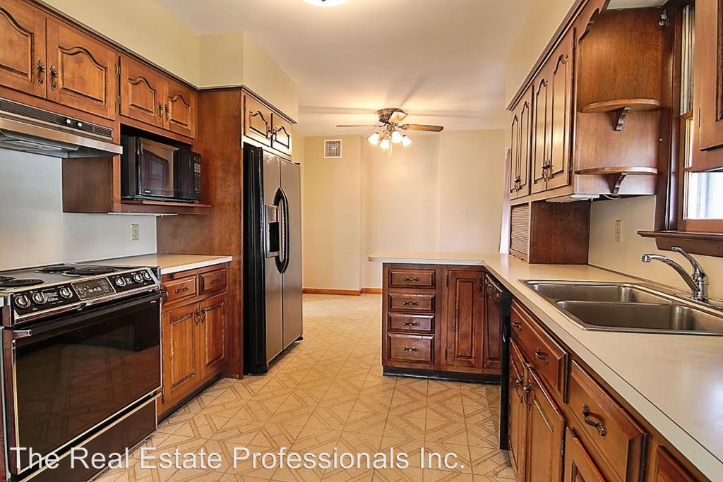 9 Grosstown Rd, Stowe, PA - 4 Bed, 3 Bath - 24 Photos | Trulia