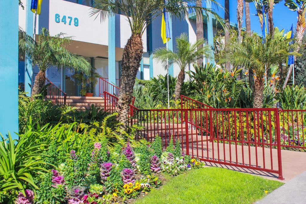 Swell Paradise Garden Apartments Download Free Architecture Designs Lukepmadebymaigaardcom