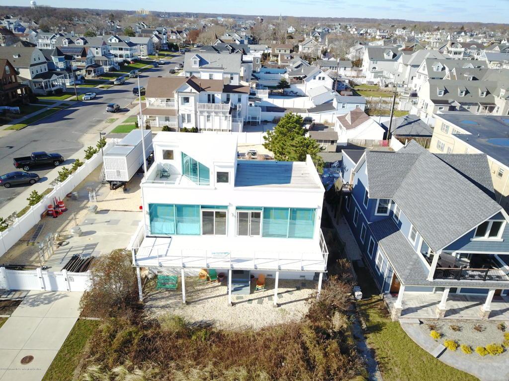 709 Ocean Ave Belmar Nj 4 Bed 2 Bath Single Family Home