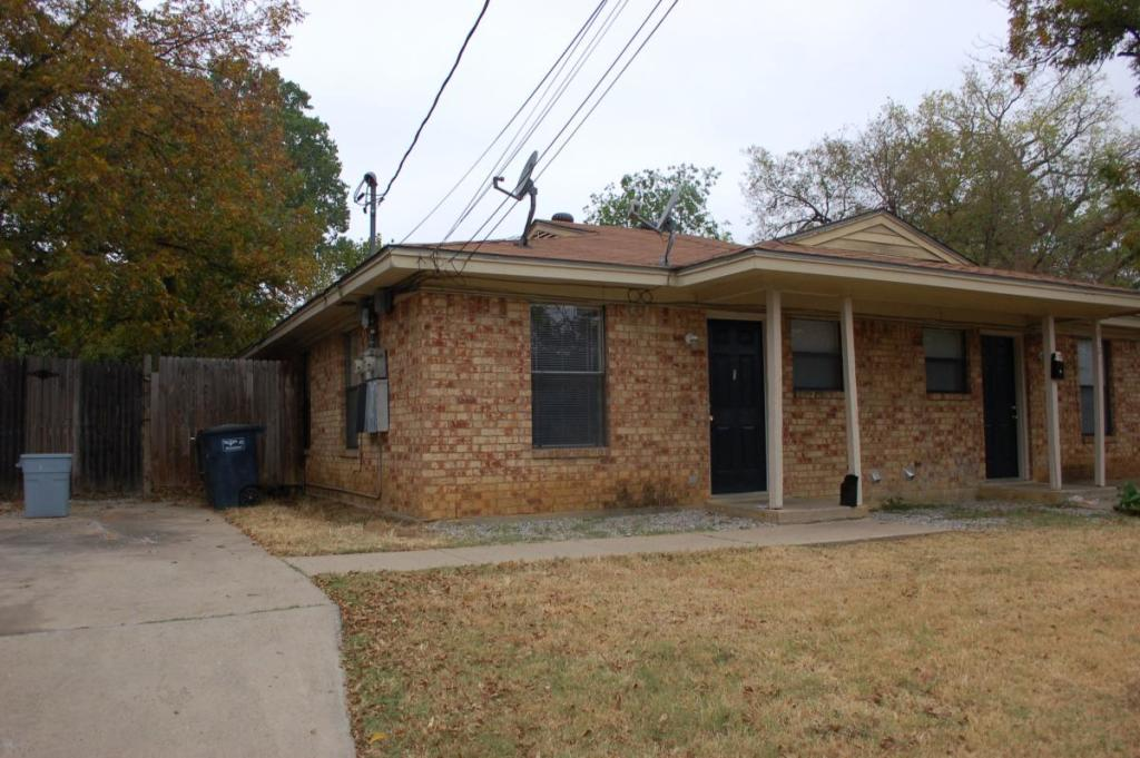 834 House St, Fort Worth, TX 76103 - 3 Bed, 2 Bath Townhouse For Rent - 8  Photos | Trulia