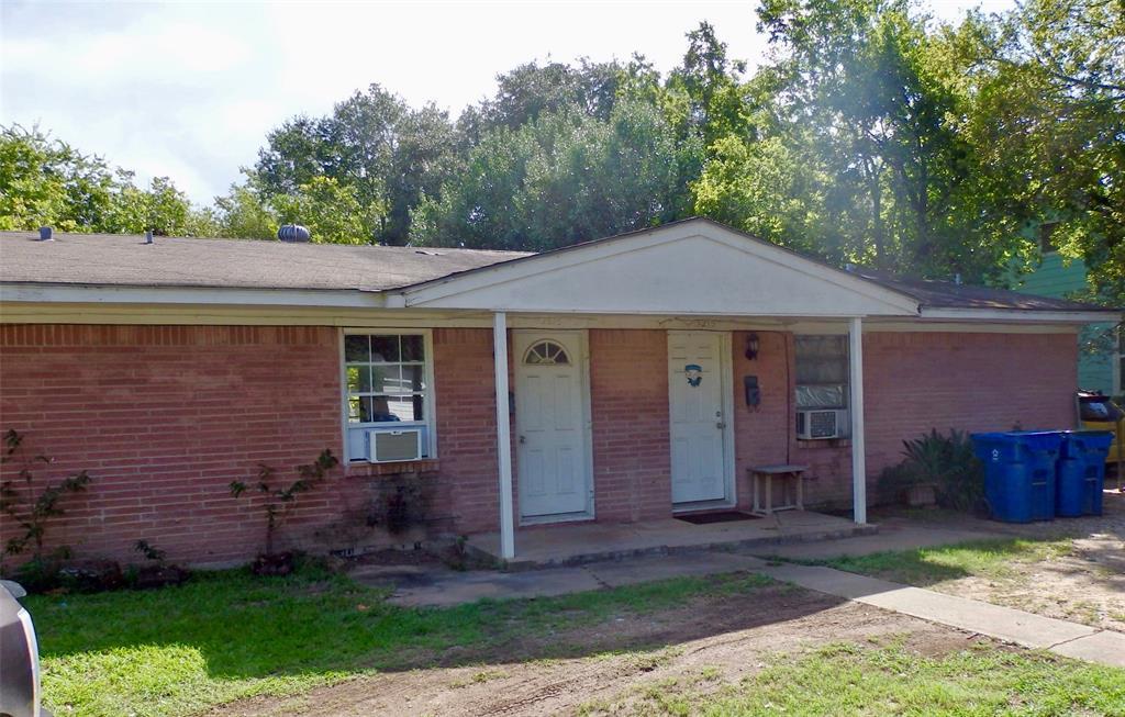 1213 8th St, Rosenberg, TX 77471 - 2 Bed, 1 Bath Multi-Family Home For Rent  - MLS# 92435288 - 10 Photos | Trulia