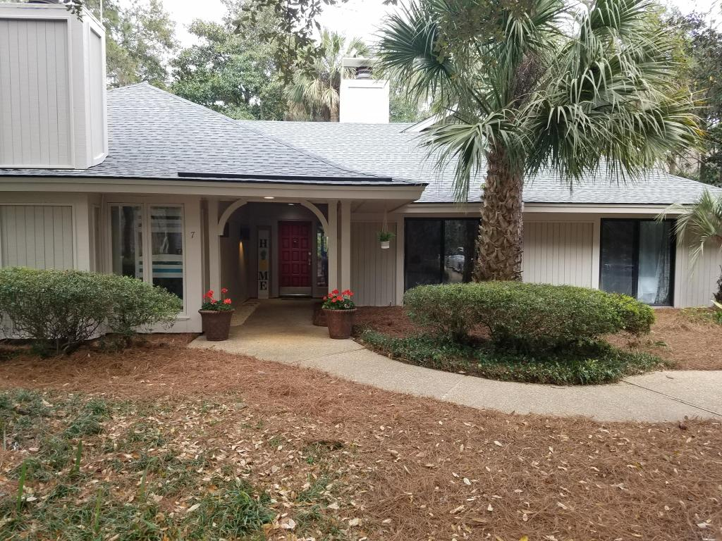 Terrific 7 Oyster Catcher Rd Hilton Head Island Sc 29928 4 Bed 3 Bath Single Family Home For Rent 37 Photos Trulia Home Interior And Landscaping Synyenasavecom
