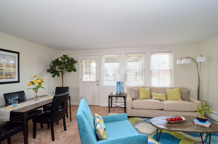Stupendous Beechmont Gardens Apartments Interior Design Ideas Pimpapslepicentreinfo