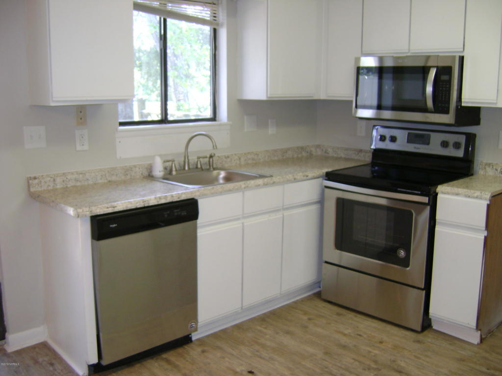 113 Bonner Ave #107, Morehead City, NC - 2 Bed, 2 Bath Condo ...