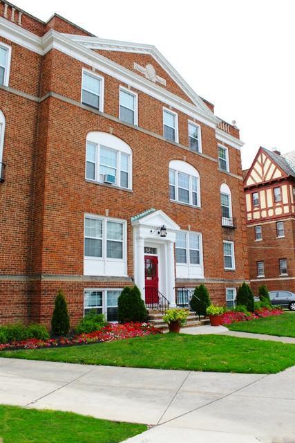 Williamsburg Lakewood Apartments