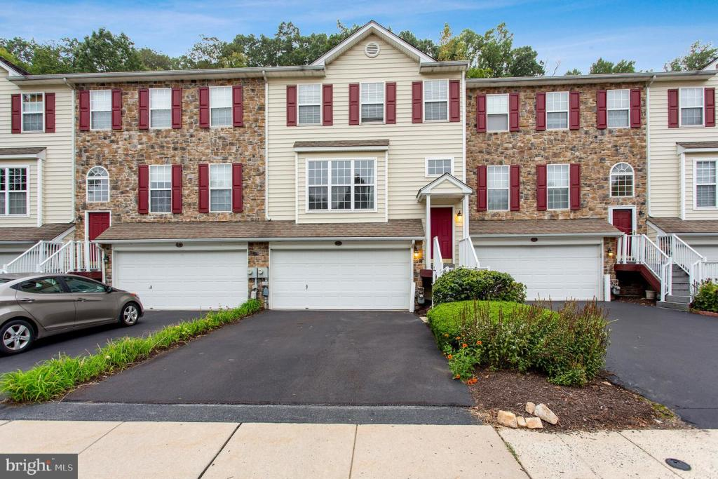 246 Yorktown Ct, Malvern, PA 19355 - 3 Bed, 2 5 Bath Townhouse For Rent -  MLS# PACT487702 - 35 Photos | Trulia