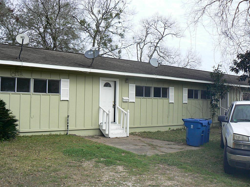 2217 Leaman Ave #2, Rosenberg, TX 77471 - 2 Bed, 1 Bath Multi-Family Home  For Rent - MLS# 14564169 - 6 Photos | Trulia