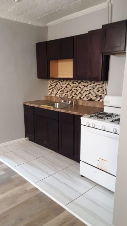 571 Westside Ave #1B, Jersey City, NJ 07304 - 2 Bed, 1 Bath Multi-Family  Home For Rent - 8 Photos   Trulia