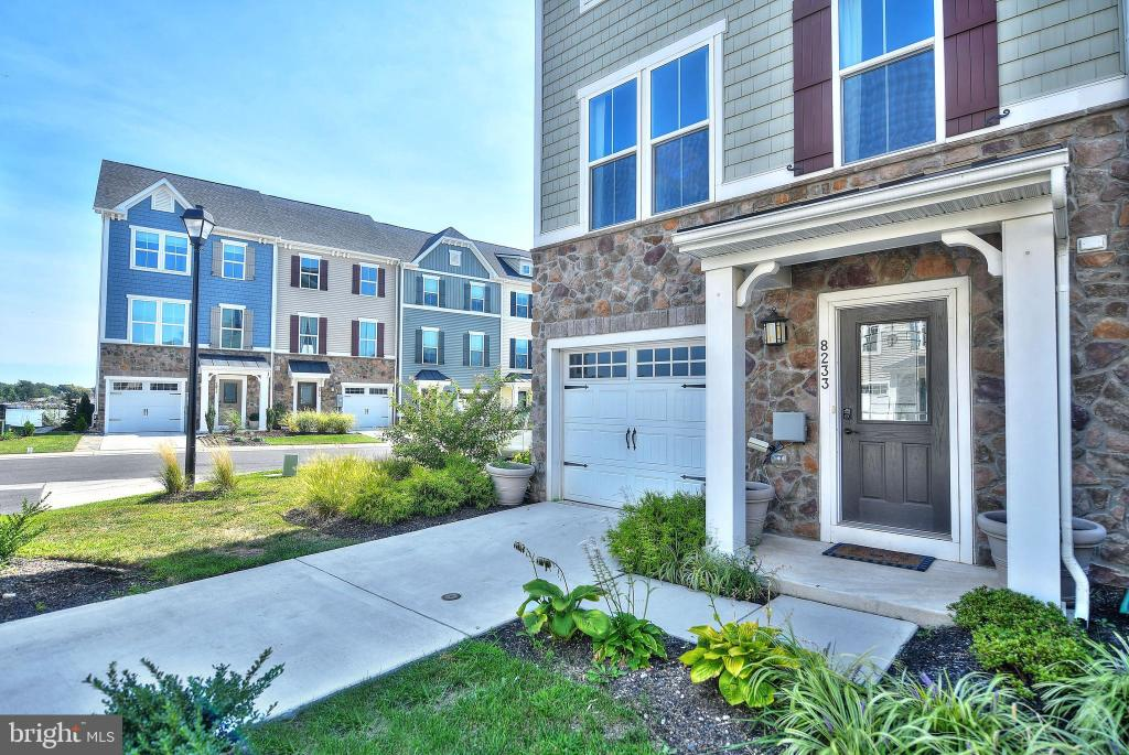 Peachy 8233 8233A Secluded Cove Ln Baltimore Md 21222 4 Bed 3 5 Bath Townhouse For Rent Mls Mdbc470710 46 Photos Trulia Home Interior And Landscaping Ferensignezvosmurscom