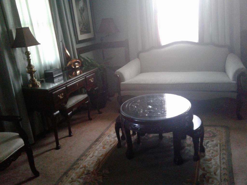 Excellent 459 Anderson Dr Wilmington De 19801 2 Bed 1 Bath Room For Rent 5 Photos Trulia Machost Co Dining Chair Design Ideas Machostcouk