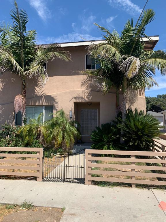 11894 Eucalyptus Ave #B, Hawthorne, CA 90250 - 2 Bed, 1 Bath Multi-Family  Home For Rent - 10 Photos | Trulia