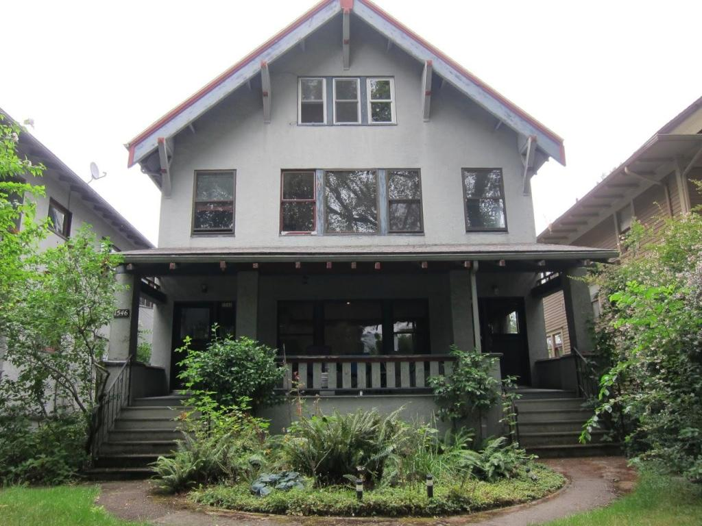 Surprising 1550 Se Ladd Ave Portland Or 97214 2 Bed 1 Bath Multi Family Home For Rent 17 Photos Trulia Download Free Architecture Designs Pushbritishbridgeorg