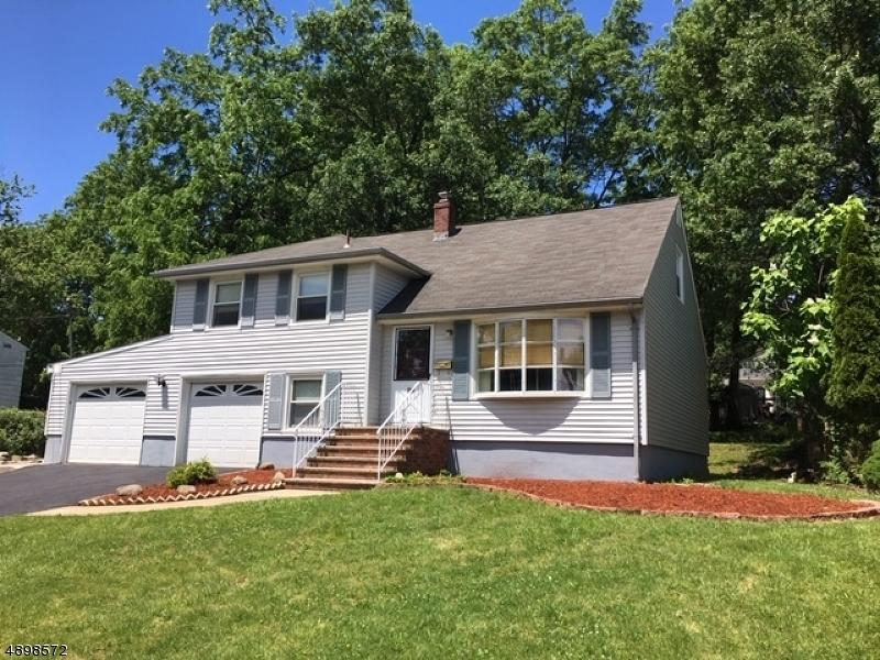 29 Spier Dr, Livingston, NJ 07039 - 3 Bed, 2 Bath Single-Family Home For  Rent - MLS# 3579411 - 7 Photos | Trulia