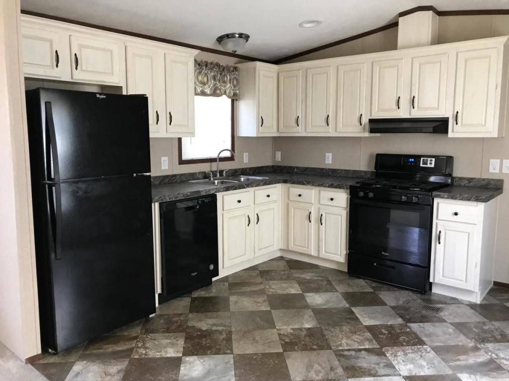 1691 Carlberg Rd #15, Jamestown, NY 14701 - 3 Bed, 2 Bath Multi-Family Home  For Rent - 8 Photos | Trulia