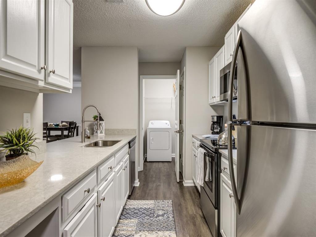 Crestmont at Thornblade Apartments