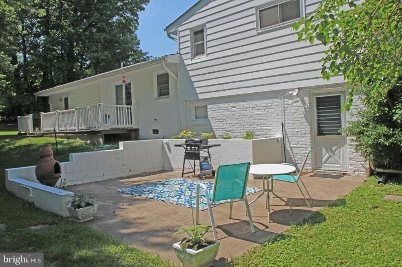 3459 Little Hunting Creek Dr #B, Alexandria, VA 22309 - 1 Bed, 1 Bath  Multi-Family Home For Rent - 4 Photos | Trulia